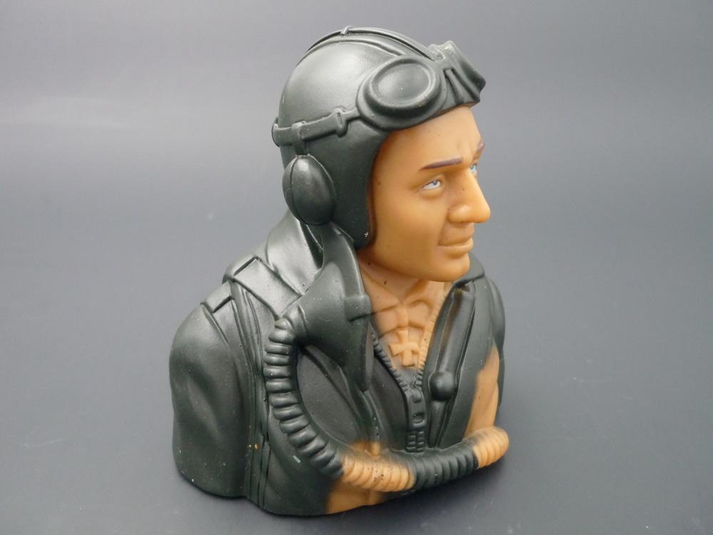 bust pilot WWII 1/5 German, prime paint