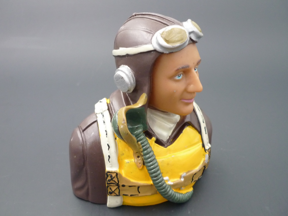 bust pilot WWII 1/5 America, painted
