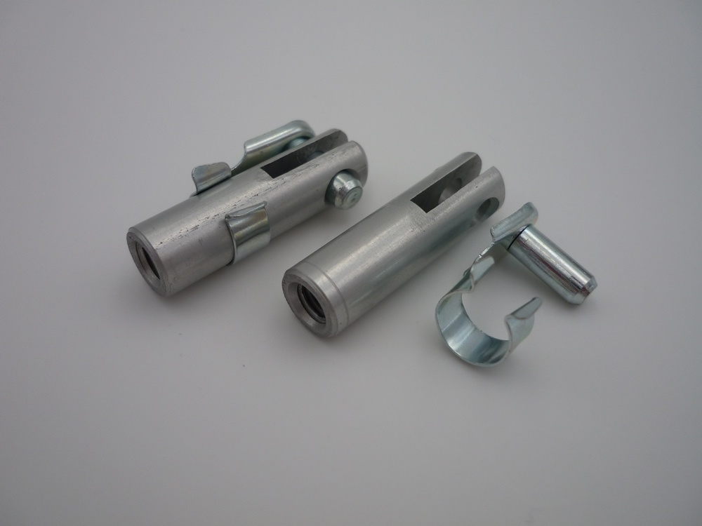 Alu-clevis M5 with spring bolt