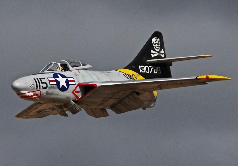 TopRC F9F Cougar B Version 61,5 ARF