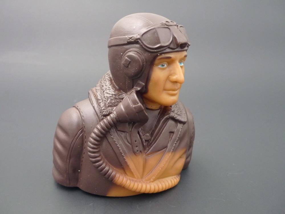 bust pilot WWII 1/5 British, prime paint