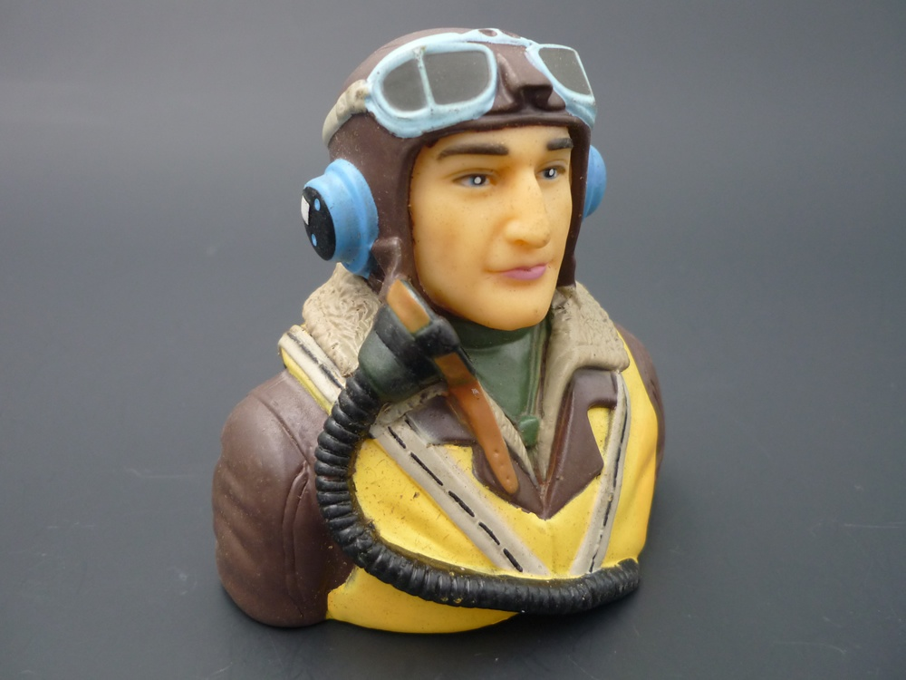 bust pilot WWII 1/6 British, painted