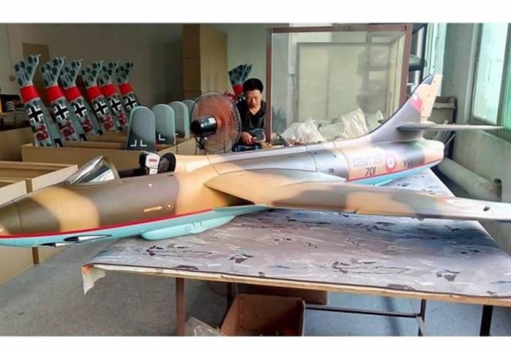 TopRC Hawker Hunter 1:5.8 Desert Scheme 69,7 ARF